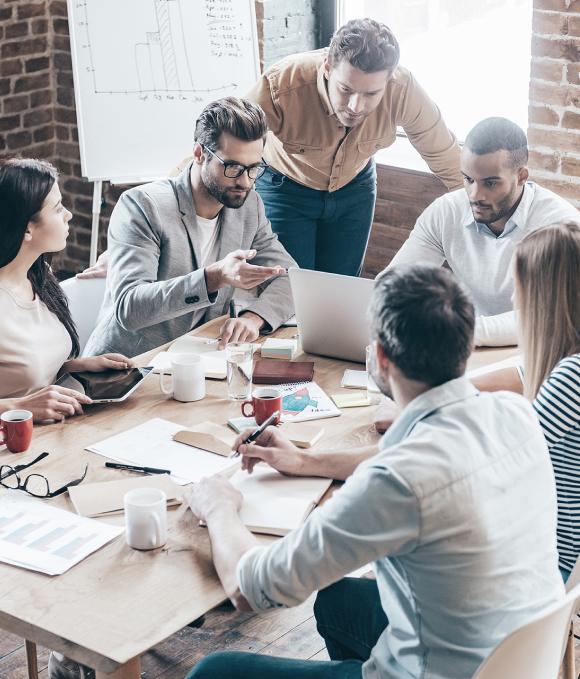 Dipendenti di un'azienda in riunione